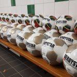 Nieuwe ballen voor alle jeugdteams SV Blokzijl