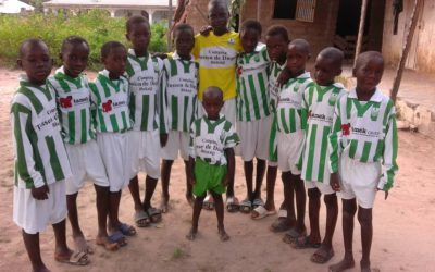 SV Blokzijl schenkt Tenue aan team Gambia